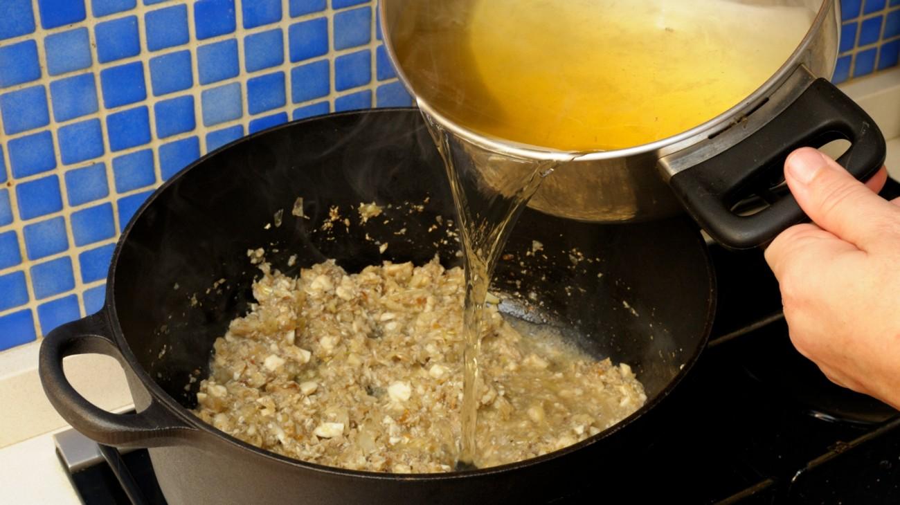 En casa. Sopa champi–ones
