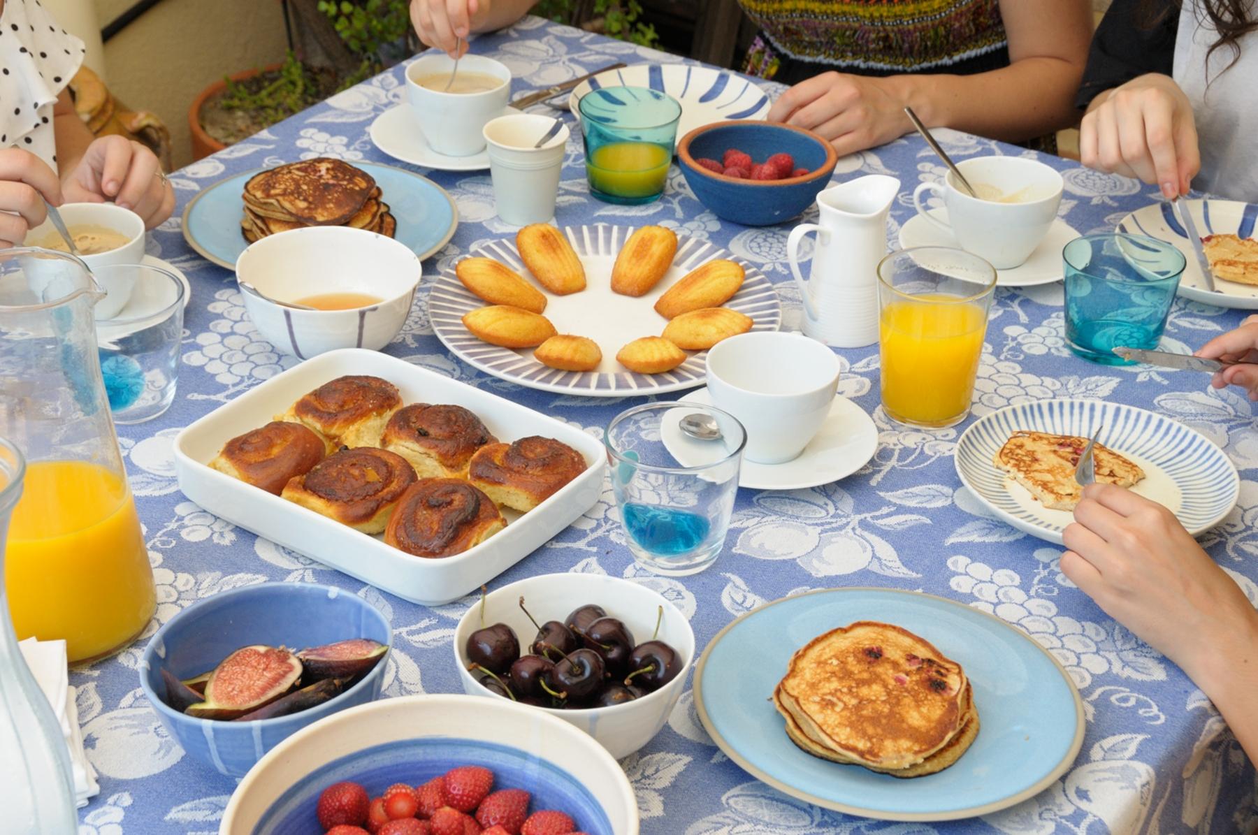 En casa. Desayuno