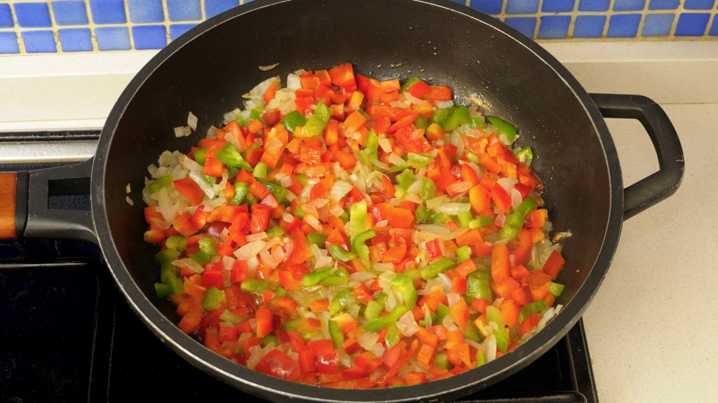 En casa. Torta de tomate y atun