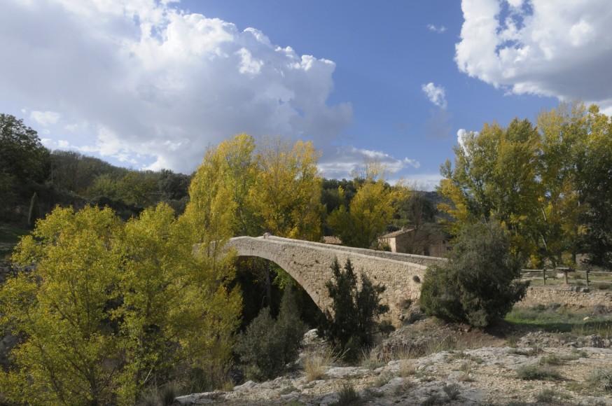 Rubielos de Mora. Antiguo puente de la Fonseca.