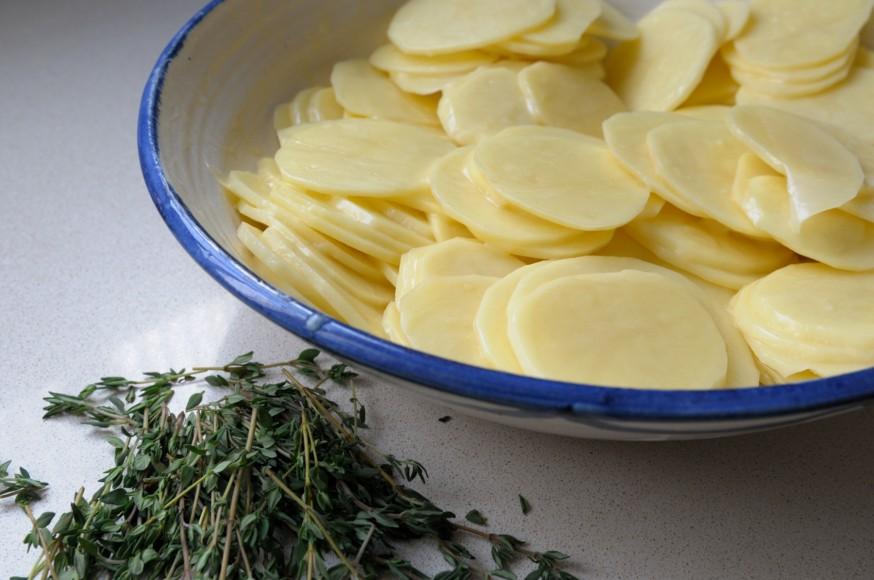En casa. Pastel patatas y queso