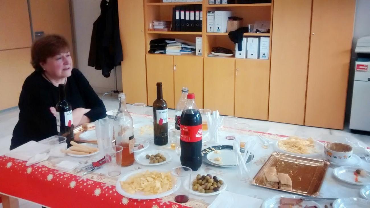 Inmaculada en el despacho de la Subdirección General de Música de CulturArts, al final de la fiesta de Navidad, diciembre de 2014.