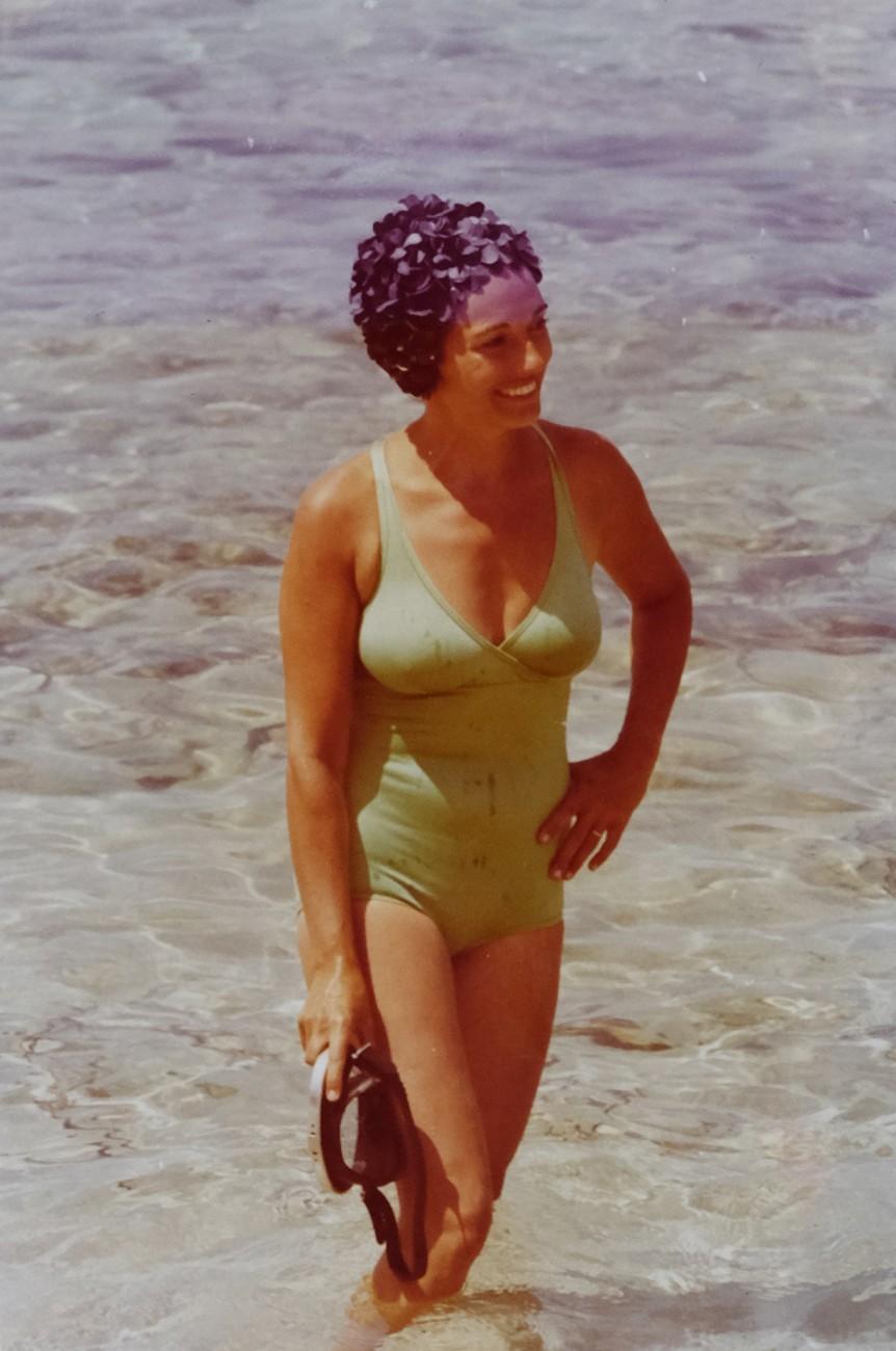 Rosa Vicenta en una playa de Ibiza