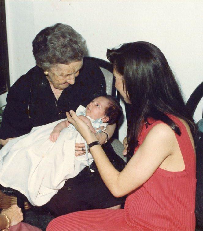 Jaime con bisabuela Marita